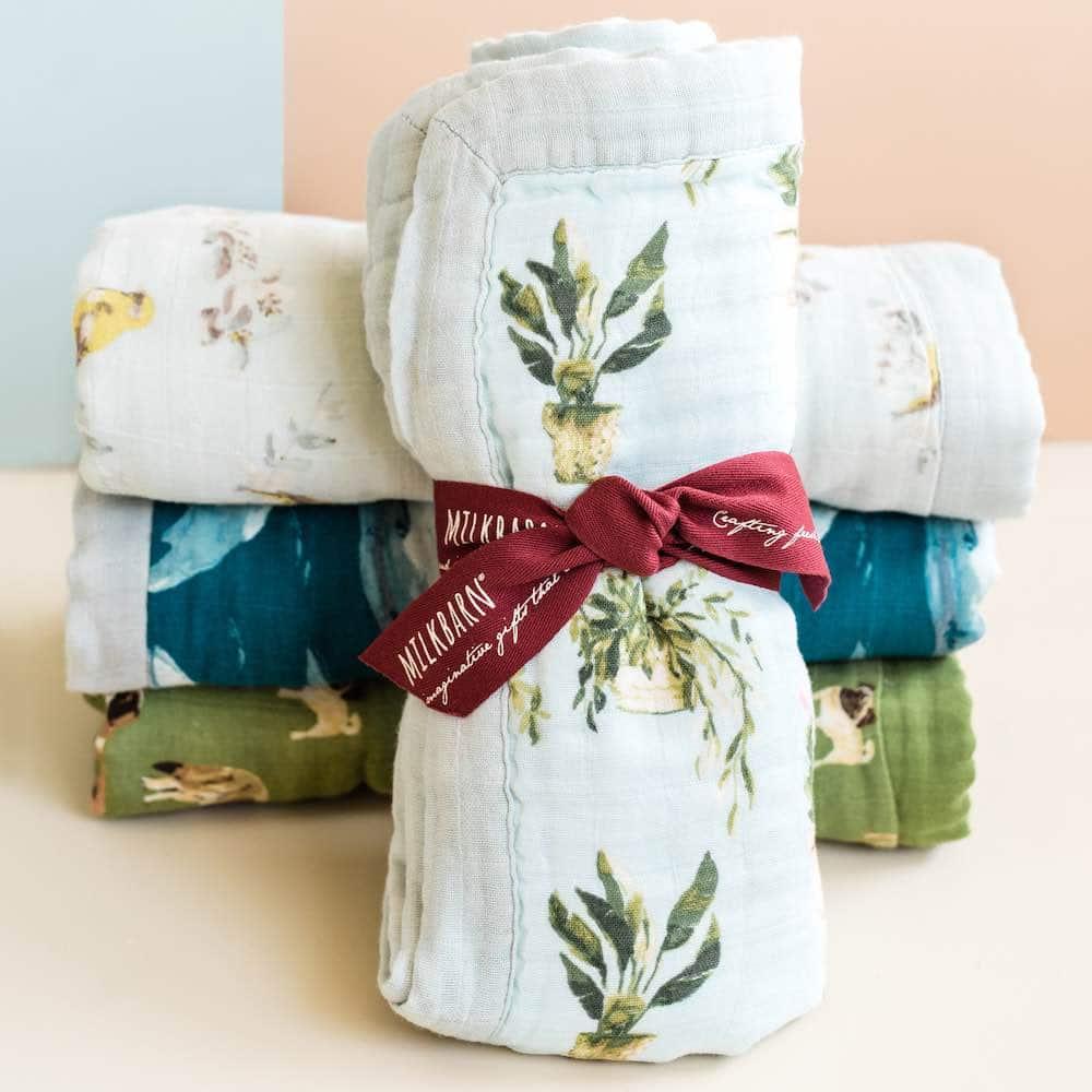 Packaging display of the Milkbarn Kids baby organic and bamboo Big Lovey Blankets